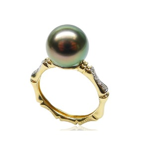 Cultured Tahitian Pearl and Diamond Ring