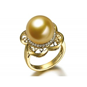 Melaine South Sea Pearl and Diamond Ring